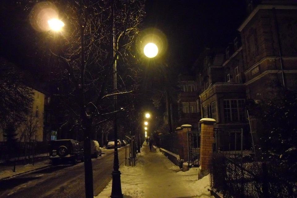 冬 夜 街