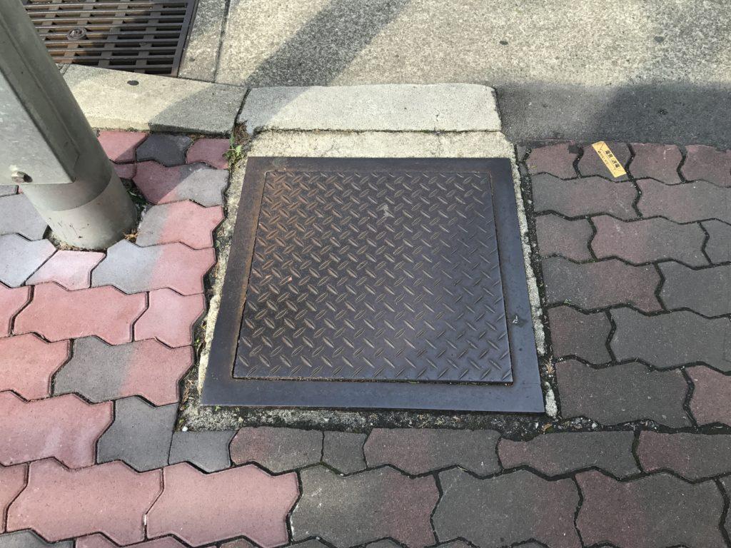 マンホール 四角 神戸