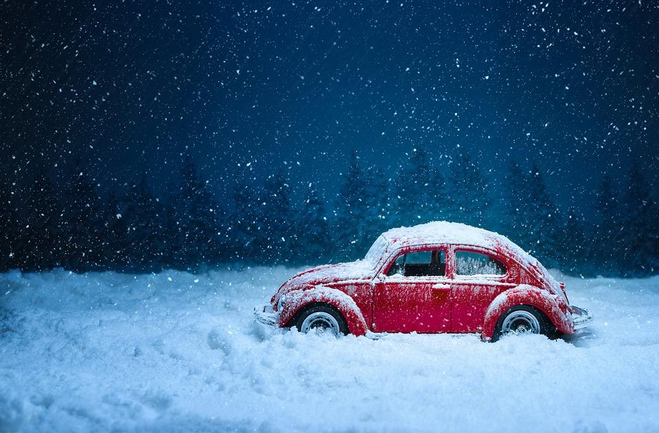 冬 雪 車
