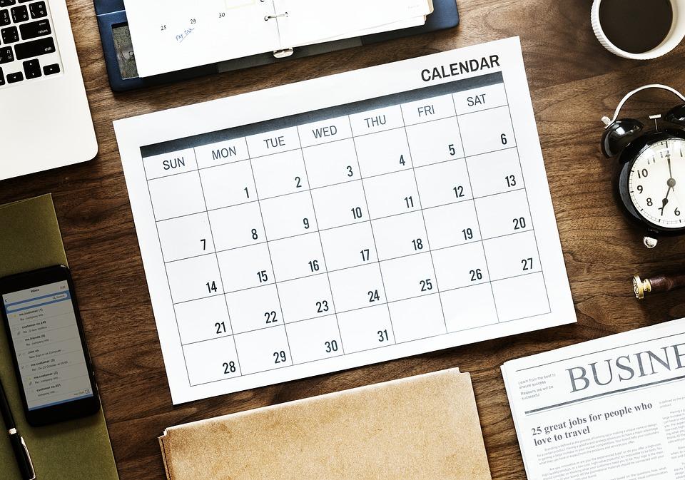 紙 ビジネス ドキュメント オフィス 空気 議題 予定 手配 カレンダー クローズアップ
