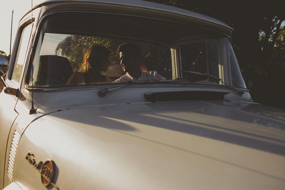 付き合う前のドライブデートでの30人の女性の男性への脈ありサイン
