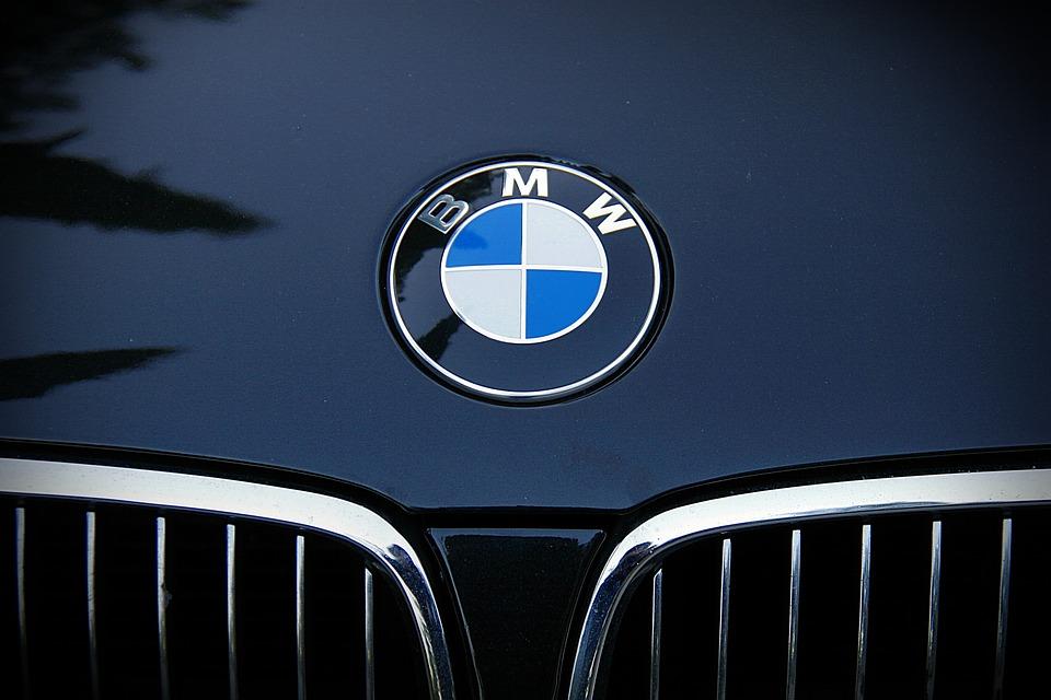 BMW 車 エンブレム